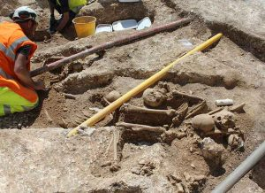 Archaeologist excavate human remains on Weyhill site
