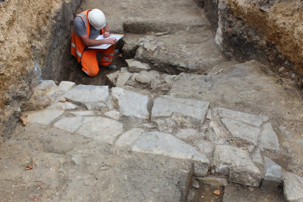 Working on site at the Whitefriars dig