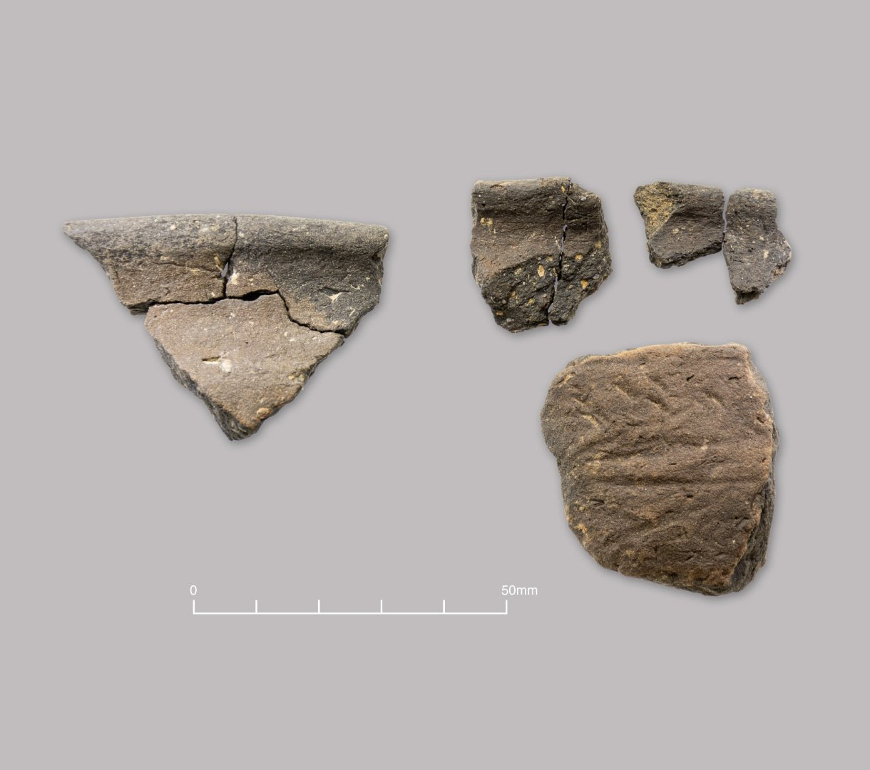 Handmade quartz-tempered pottery. Middle to Late Iron Age (c. 300–50 BC)