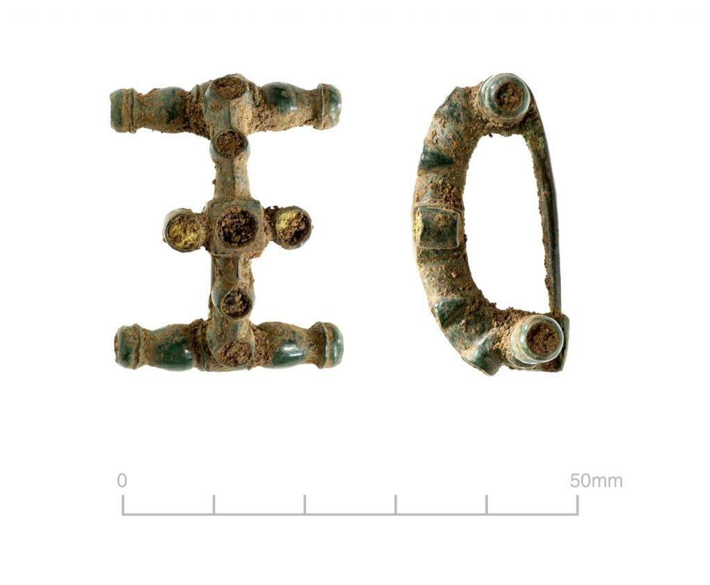 Roman brooch